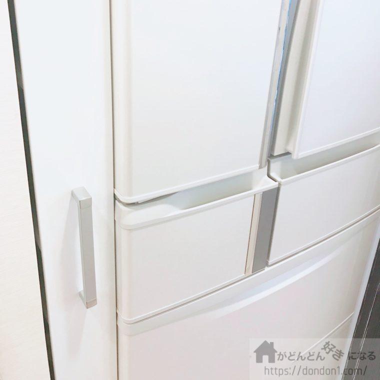 冷蔵庫横のストッカー