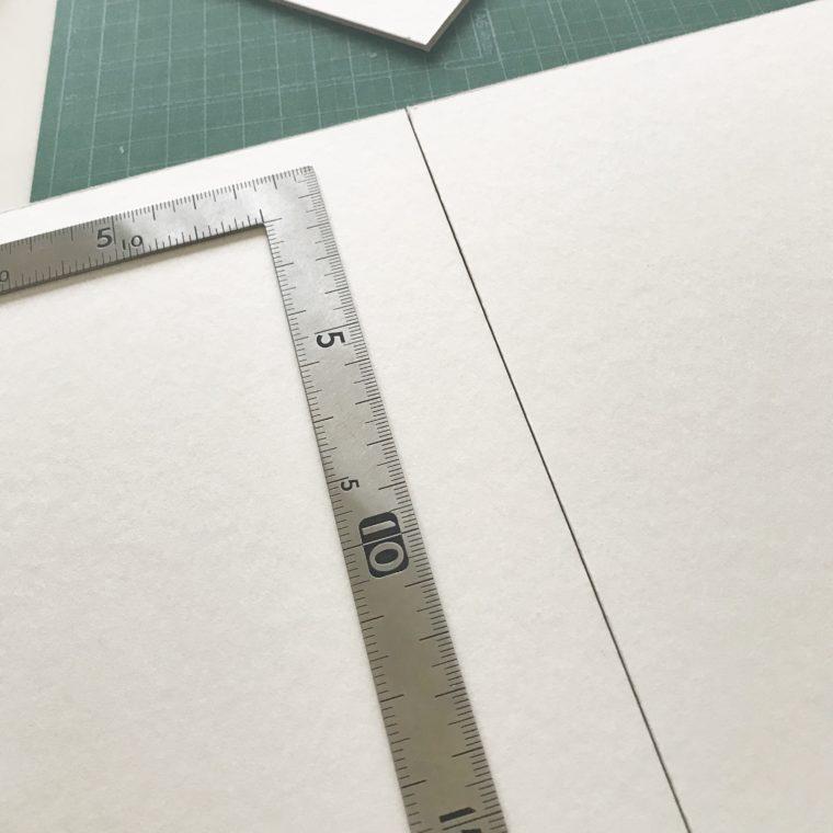 厚紙に線を引く
