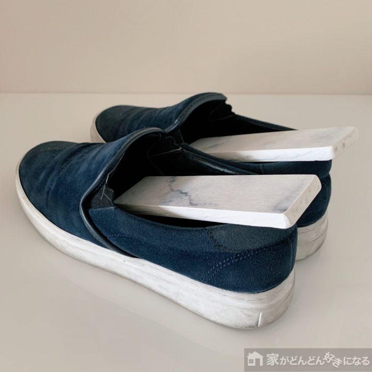 靴に挿した珪藻土