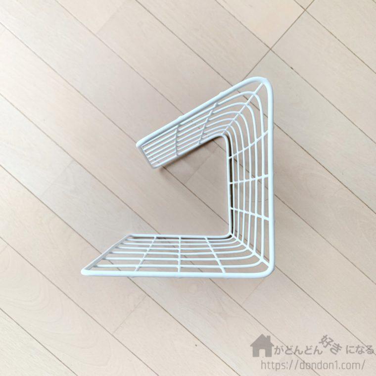 角度をつけて折り曲げたワイヤーネット